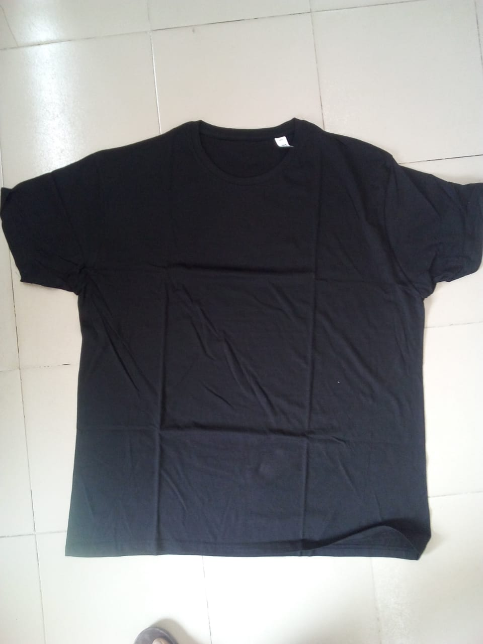 34521 - Sale offer for 133,300 pcs Mens T-shirt stock Bangladesh