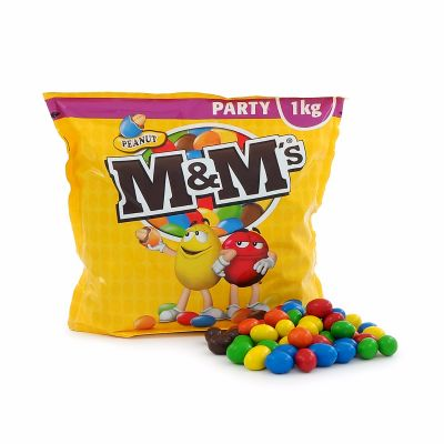 37812 - Extra Stock - M&M's Peanuts 1k & Panda Soft & Fresh 400g Europe